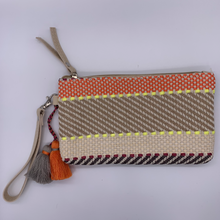 Load image into Gallery viewer, Purse - Woven with Tassel