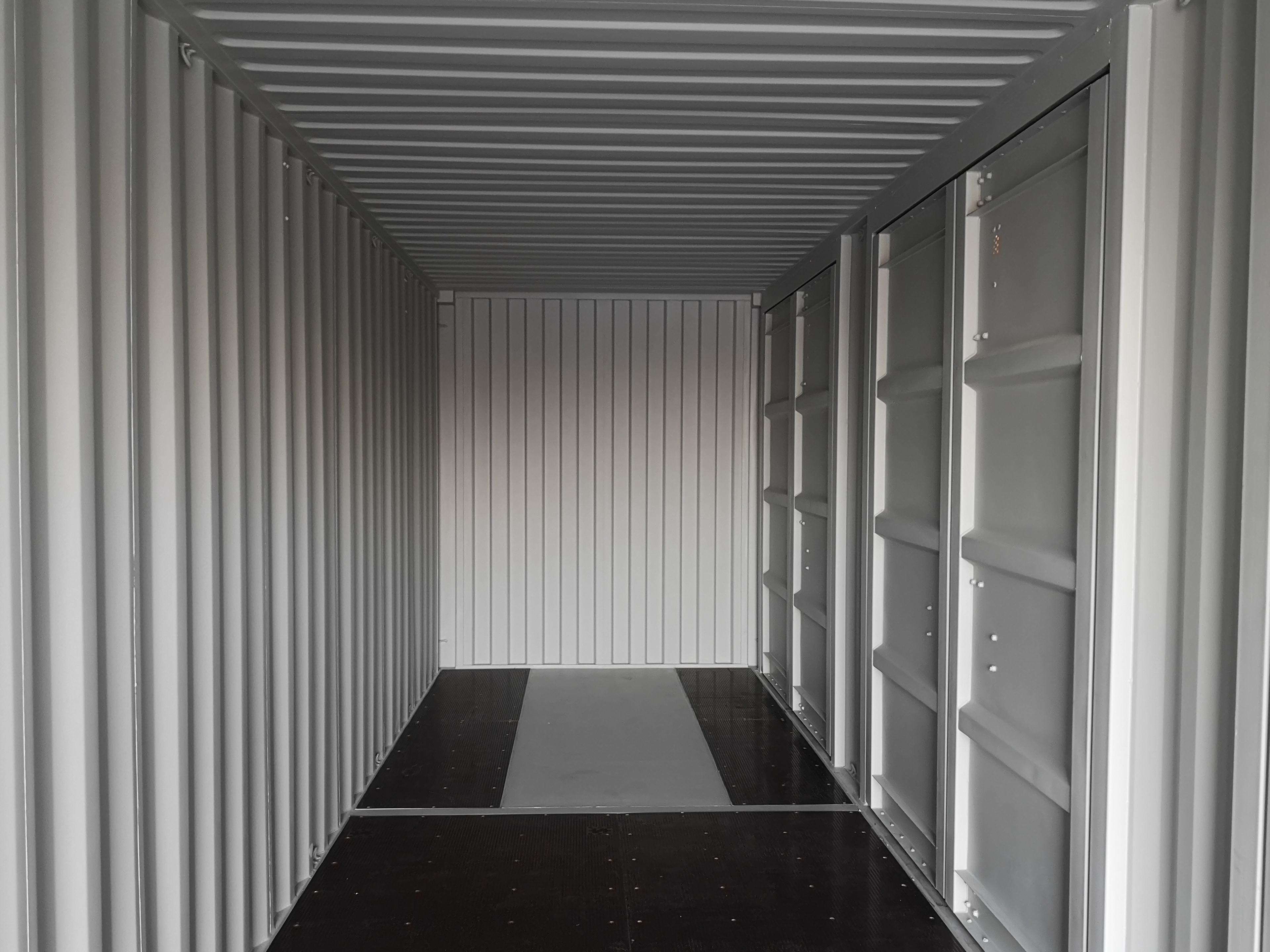 40ft Container with 4 Side Doors