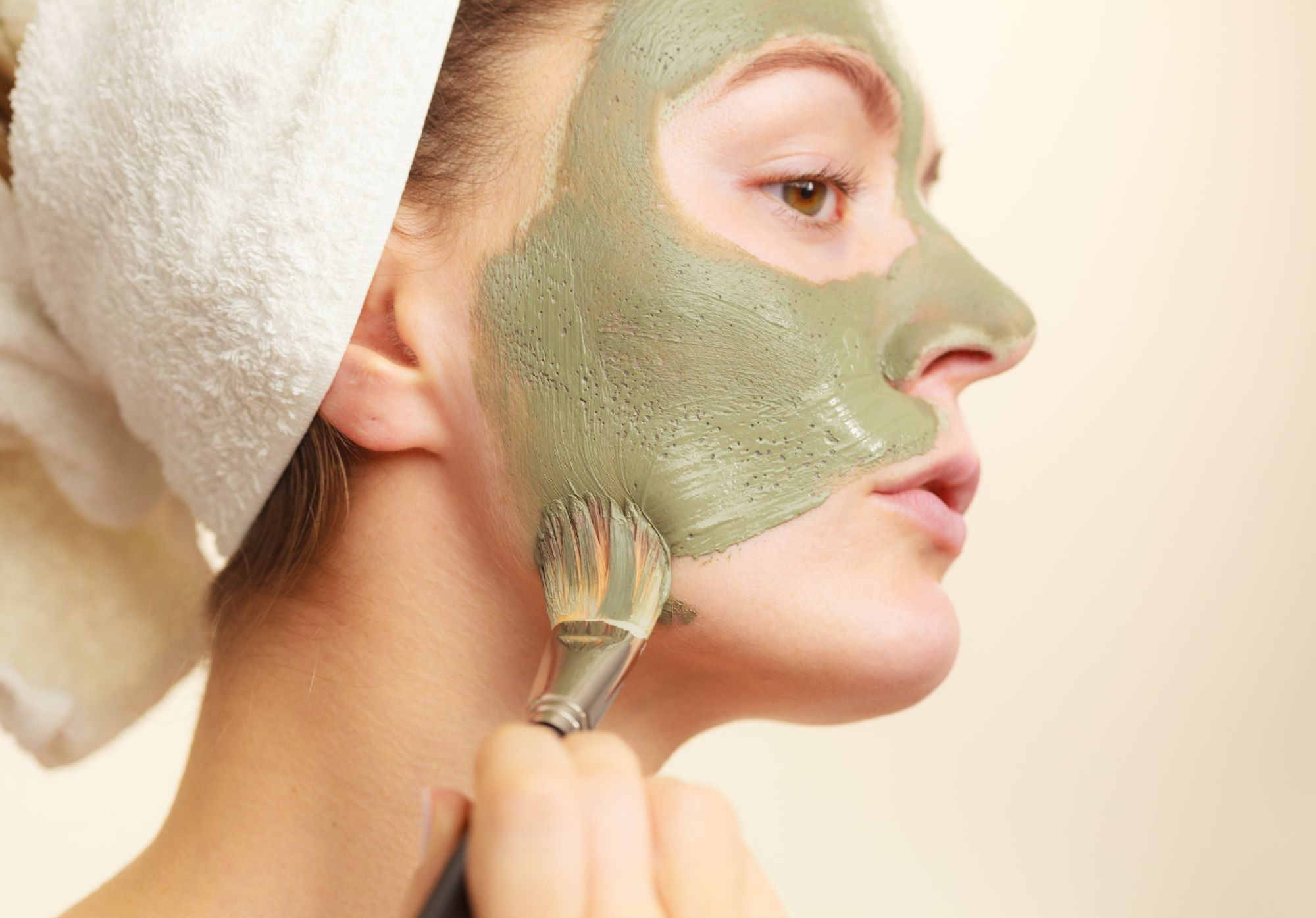BENTONITE CLAY MASK BENEFITS WHEN USED IN SKIN CARE
