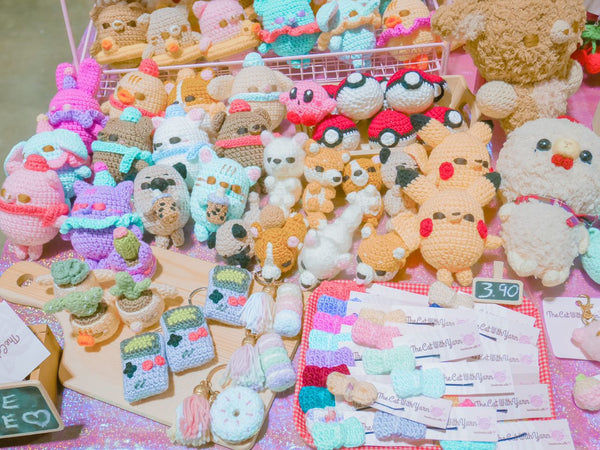 TheCatWithYarn_Gifts_EOY_AFA_Booth_Handmade_Event_ARata