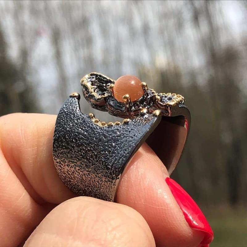 Cracked steampunk ring