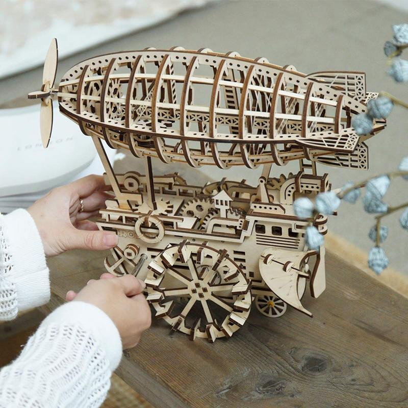 Decoration steampunk zeppelin diy