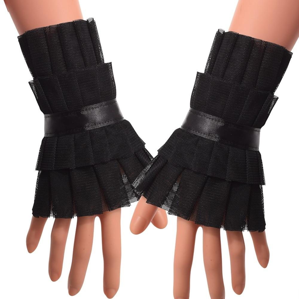 Vintage women's glove mode