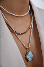 Load image into Gallery viewer, Crystal Haze Diva Necklace