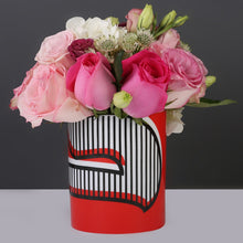 Load image into Gallery viewer, Silsal Hubb Medium Vase