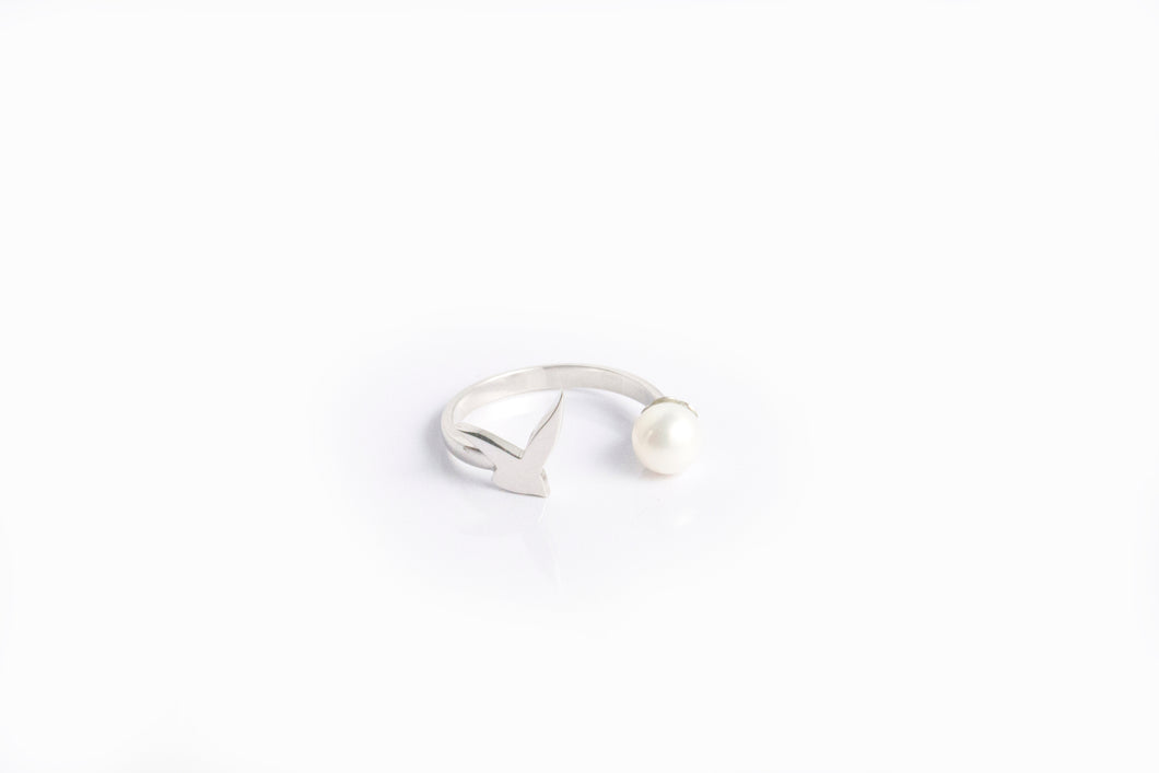 Usfuur Ring Sterling Silver with Pearl - Silver/ White Pearl