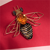 Load image into Gallery viewer, Elsa O Bee Brooch