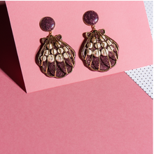 Load image into Gallery viewer, Elsa O Shell Earrings