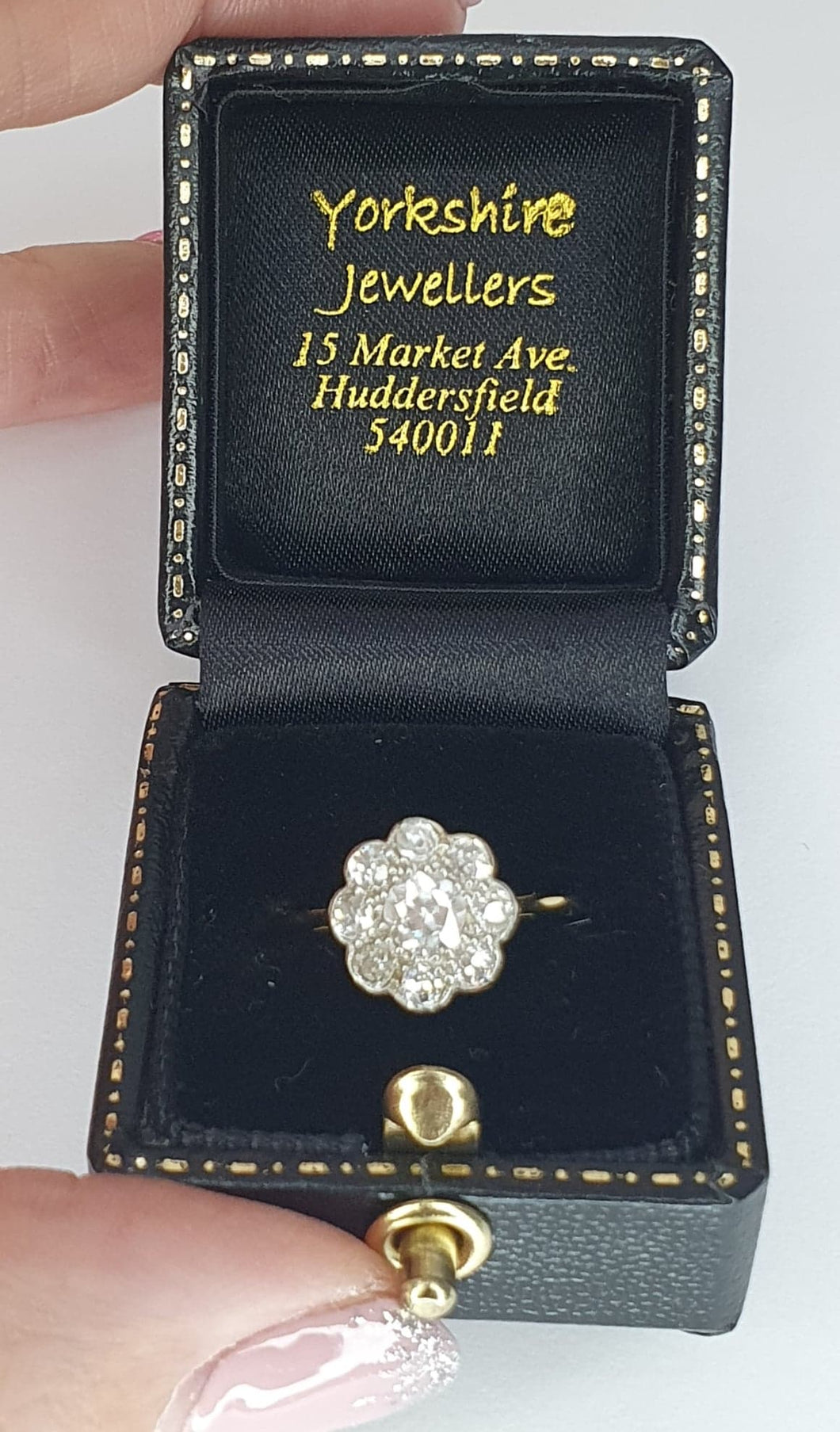 18ct Gold & Platinum Diamond Daisy