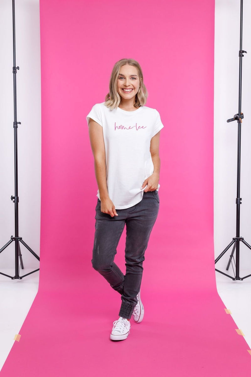 LOGO TEE WHITE WITH PINK PRINT - LOGO TEE WHITE WITH PINK PRINT - Ebony Boutique NZ
