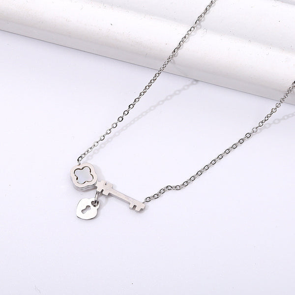 Clavicle Chain Necklace Pendant