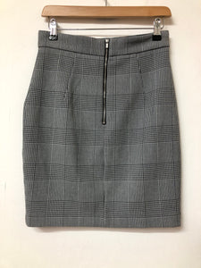 Black and White Hounds tooth Short Skirt H&M Size 10