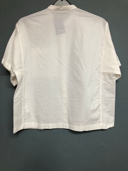 Ladies Gap Box Fit White Shirt Size XS