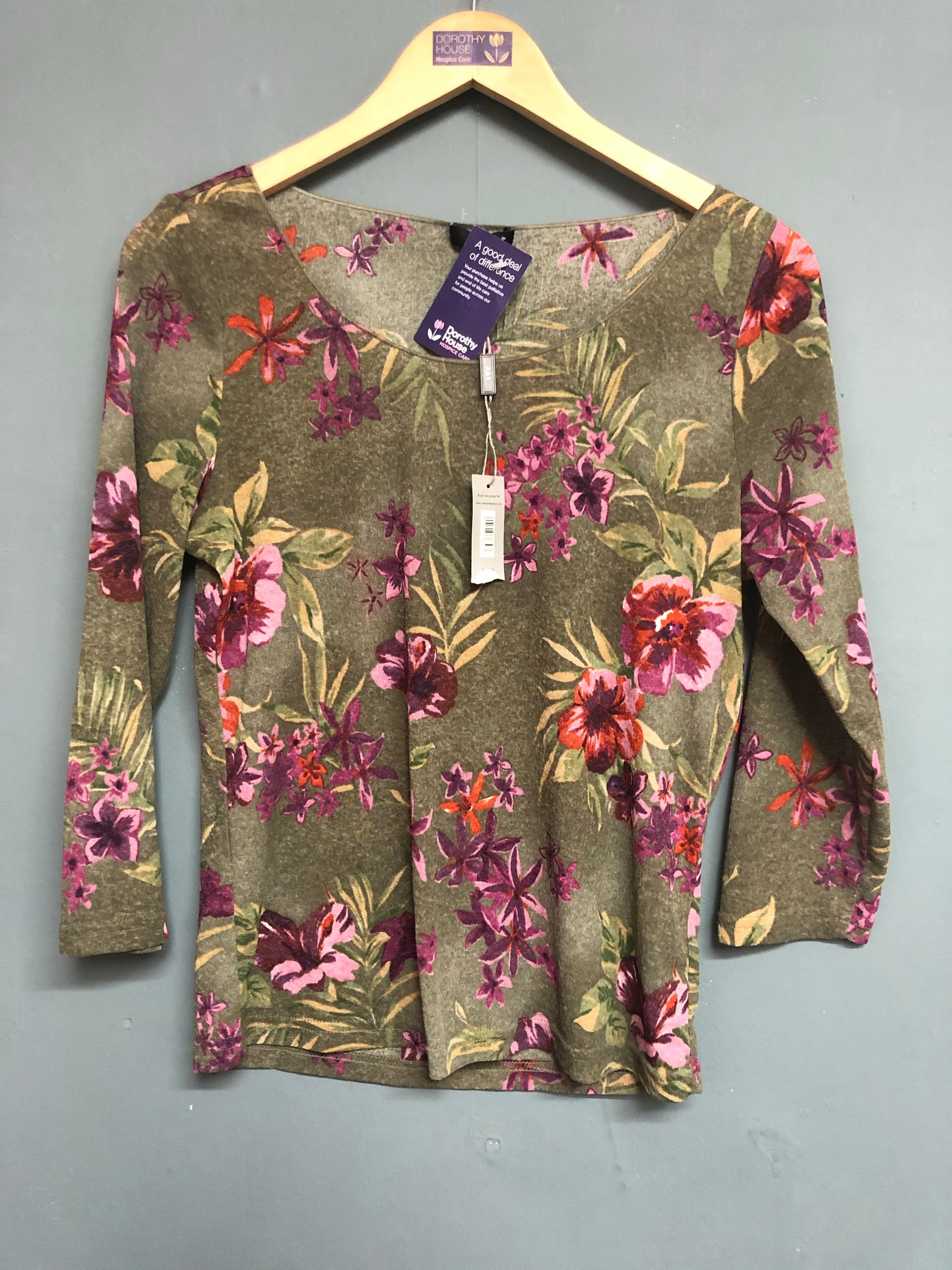 Green Floral Design Long Sleeve Top Size 16