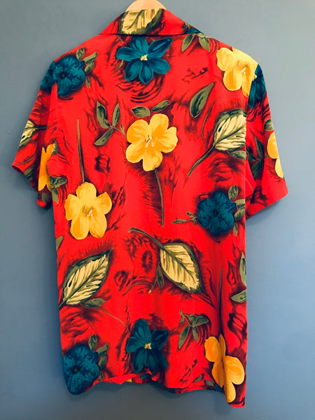 Red Floral Hawaiian Style Blouse 16