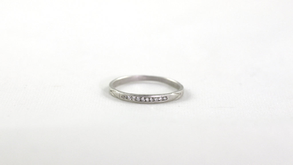Dainty Deco Ring