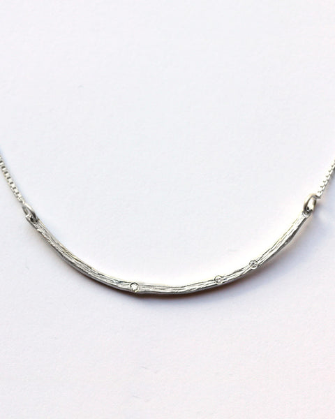 Horizontal Textured Curve Necklace