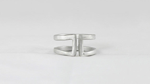 Simple Empty Spaces Ring