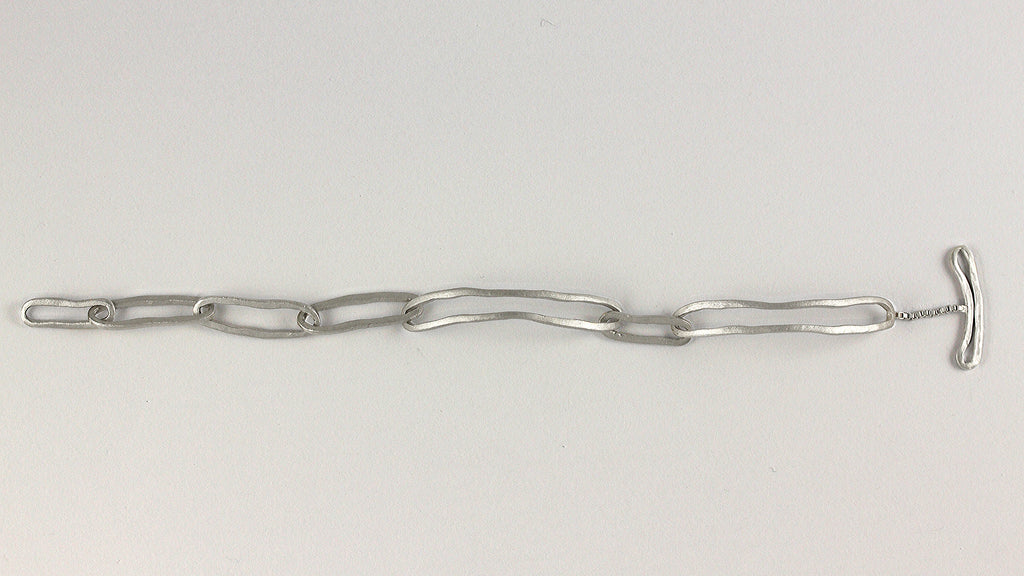 Linear Links Bracelet