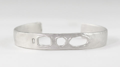 Medium Cut-Out Cuff