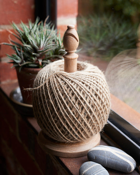 Oak Garden twine stand with Large 500g jute string