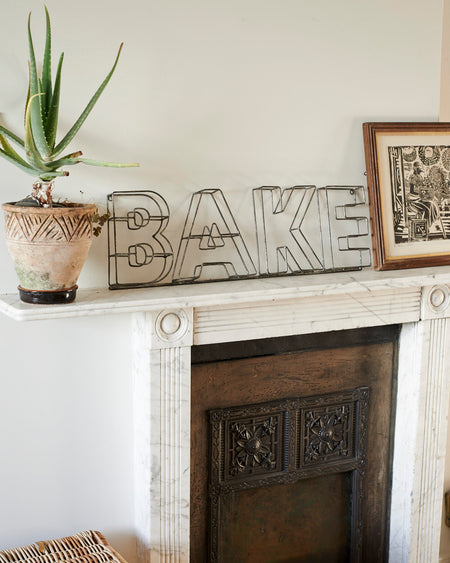 Zinc metal wire sign - BAKE.