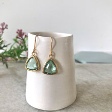 Load image into Gallery viewer, Pale green erinite gold glass drop earrings