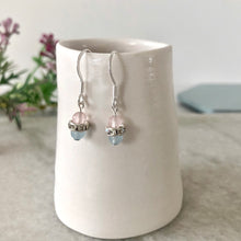 Load image into Gallery viewer, Little gem silber earrings with pale blue and pink agate.