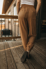 Load image into Gallery viewer, Dressy Joggers - Camel