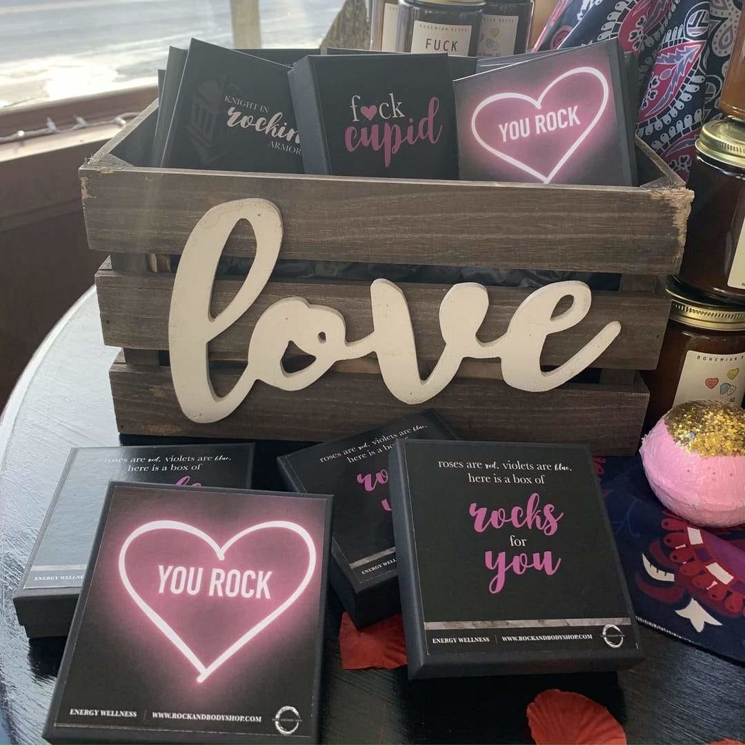 Visit us today for your last-minute Valentine's Day gifts! 💘 Today, when you purchase a Valentine's Day Box Set you will receive a treat from Great Harvest Bread, and complimentary gift wrapping!   AND @joyful_henna_designs will be here from 12:00pm-4:00pm! PS... Have you entered our giveaway? If not, head to our Facebook to enter! • • #valentinesday2021 #valentinesday #valentinesdaygift #valentinesdaypresent #crystals #downtowndepere #deperebuisness #shoplocal #rockandbodyshop