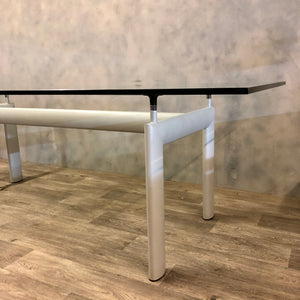 Le Corbusier table