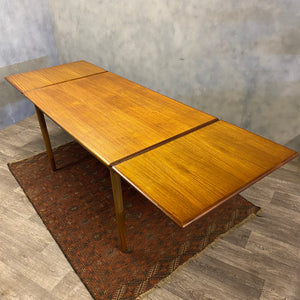 Extendable midcentury dining table