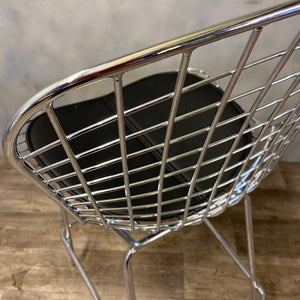STEEL FRAME STOOL