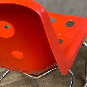 Red Robin Day chair