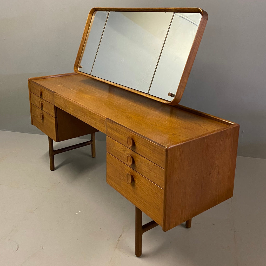 Meredew Dressing Table