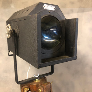 Tripod lamp head