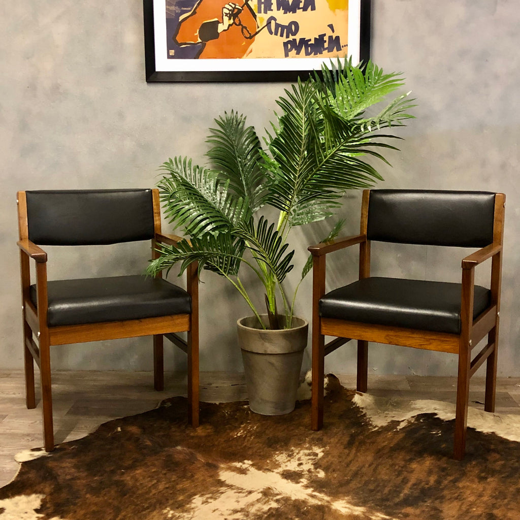 Midcentury teak boardroom chairs (2)