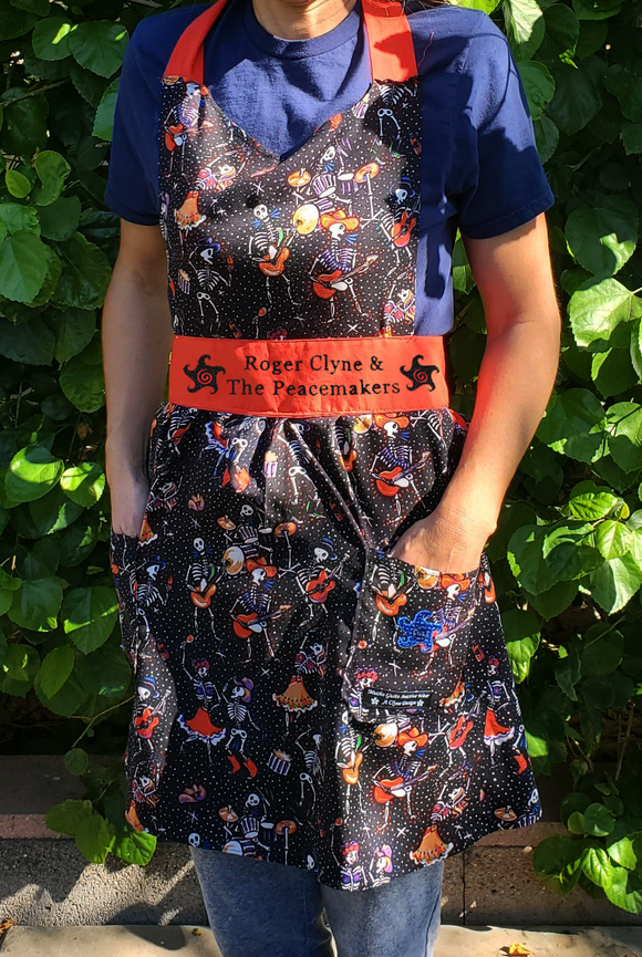 Band of Bones Full Apron