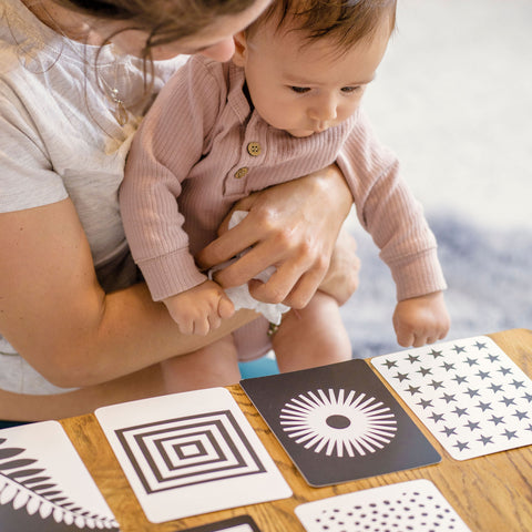 Baby brain development - black and white cards for visual stimulation