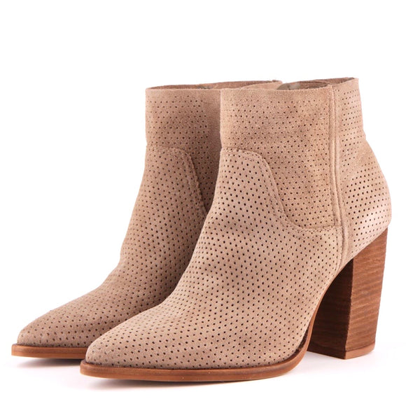 Vince Camuto 37 39
