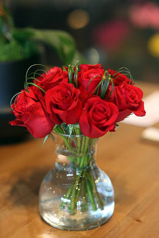 Item #100112 One dozen red roses with vase 2