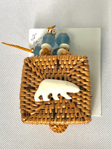"2"" SQUARE HAND WOVEN GRASS BASKET WITH CARVED BONE"