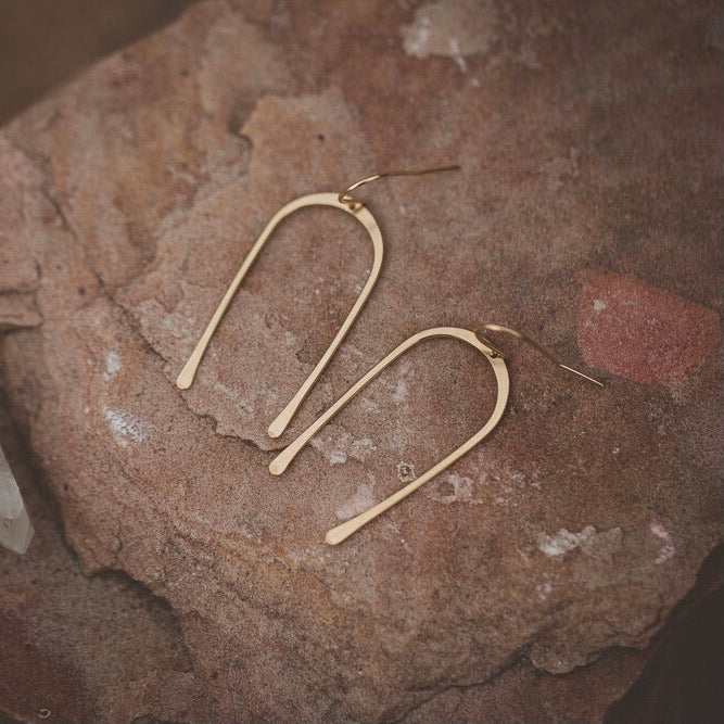 Desert Moon Design Dandy Horseshoe U Shaped Earrings Gold