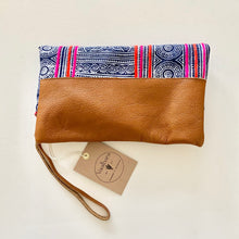 Load image into Gallery viewer, Vaalbara • Fold Clutch • Patong in Tan Leather