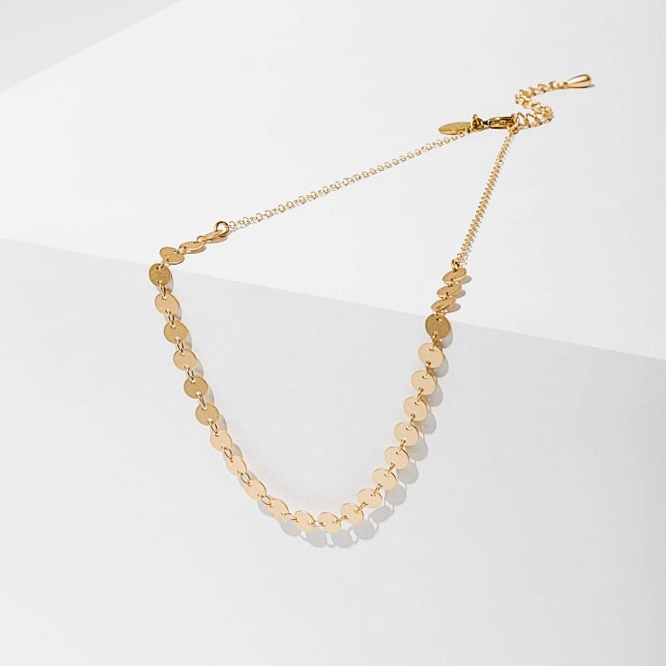 Candra Geometric Tiny Circles Necklace Gold