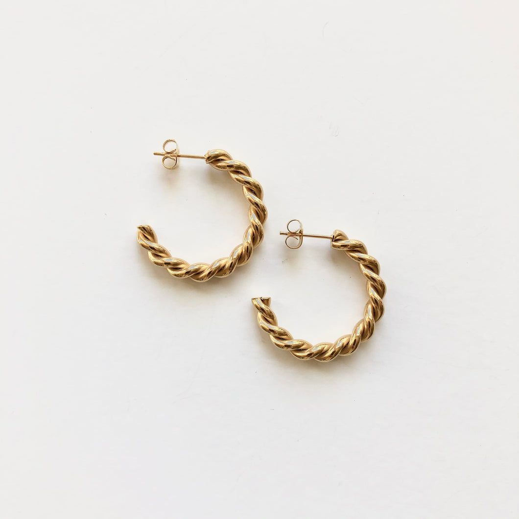Twisted Sarah Hoop Earrings Gold