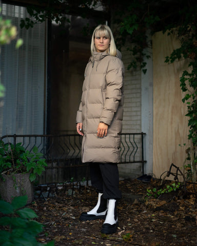 Long puffer jacket taupe