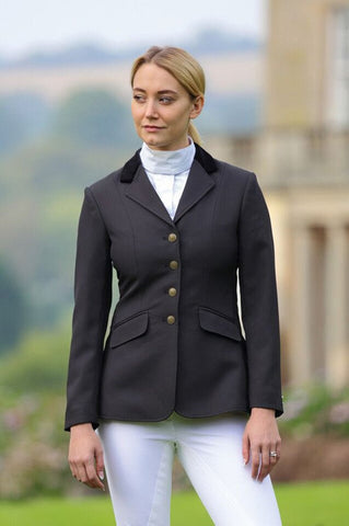 Aston Show Jacket In Black