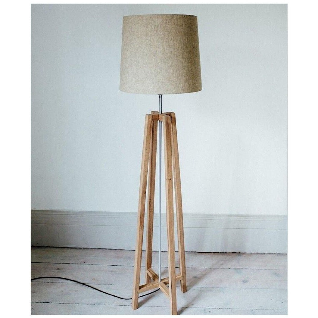 NATURAL WOOD | CROSS FLOOR LAMP