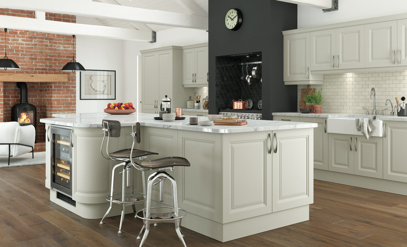 Traditional Kitchen Unit & Door